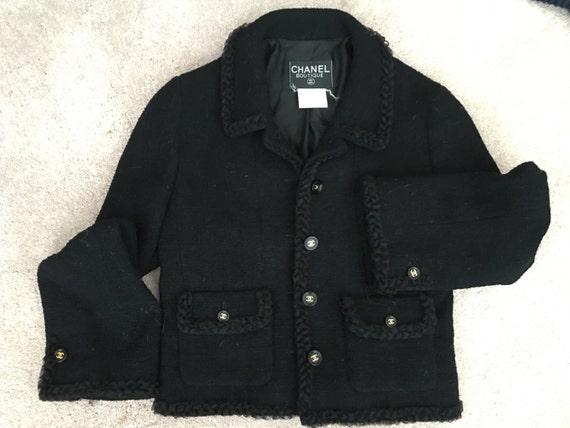 Vintage Black Chanel Tweed blazer Stunning