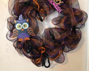 Mesh Halloween Wreath with Owl