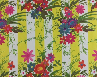Two Sheets Vintage 1940/'s All Occasion Spring Time Bright Yellow Butterfly Daisy 26 X 19 Each Never Used 1950/'s Wrapping Paper