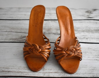 """Size 7 Women's 1970's Vintage Leather Sandles with a 3.5"""" Heel   Predictions made in Brazil   Celtic Knot Shoe"""