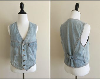 Women's Vintage Light Denim Landlubber Vest with Chest Pockets / Size Small