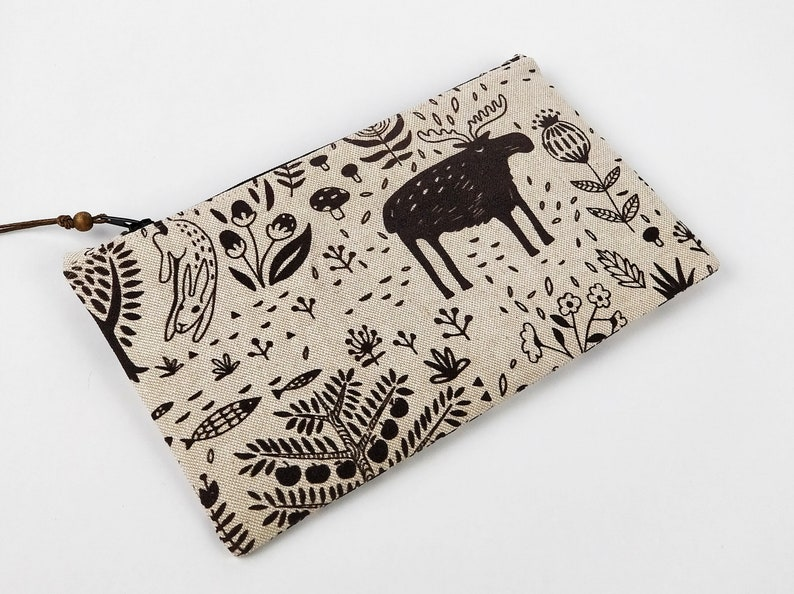 Pattern pouch spring to hold school supplies or makeup image 0