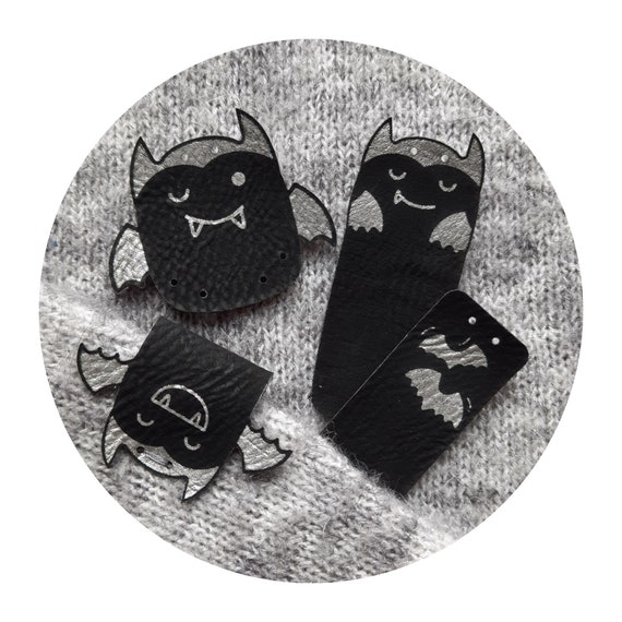 Set of 9 tags - CUTE! BATS - PU fake leather tags - bat haloween - tags for knitting crocheting sewing - black silver - labels for handmade