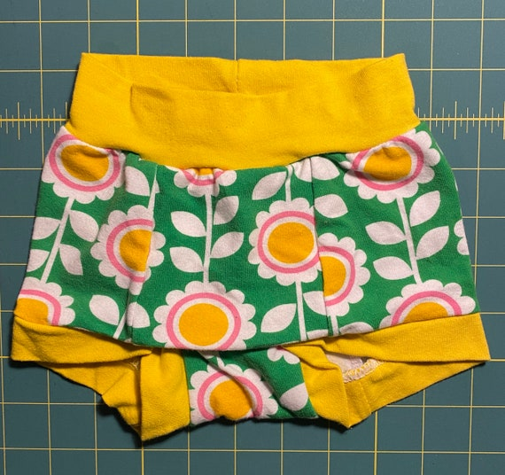 RTS Tuck Buddies 1.0 KIDS - daisy print  underwear with organic cotton fleece lining in the front for transgender girls - kiddo size 4