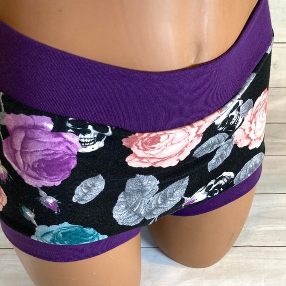 Tuck Buddies 2.0 - skulls & roses with purple bands - adult sizes