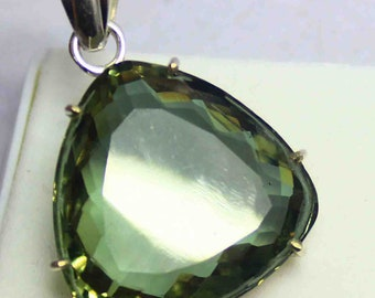 82.7 5Ct Certified Attractive Pear Shape Color Changing Russian Alexandrite Pendant 925 Solid Sterling Silver AO1243