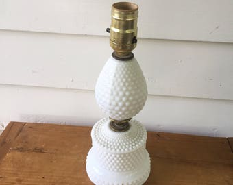 Mid Century White Bubble Textured Table Lamp in White