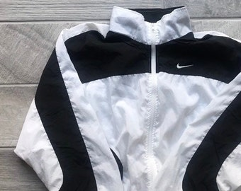 Vintage Nike Windbreaker Clothing Unisex Jacket Workout Running Gear retro  Rain 05363a37d