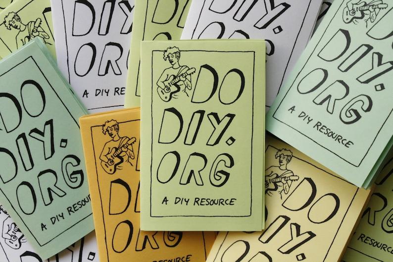 do diy illustrated mini zine / diy ethos music touring image 0