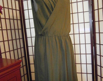Women's Sleeveless Dress -
