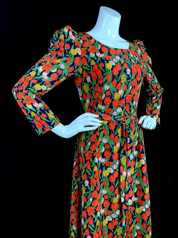 1970s Maxi Dress with Tulip Print and Puffed Shoul