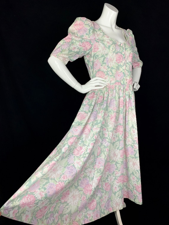 1980s LAURA ASHLEY Roses Print Cotton Dress with P