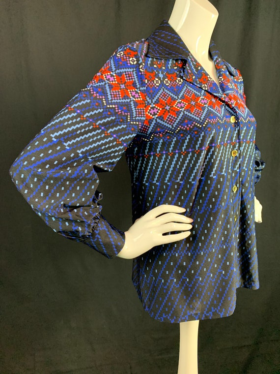 1970s Blouse With Dagger Collars and Puffed Sleeve