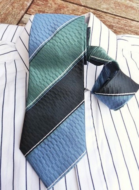 Made in Italy CLASSIC ELEGANT MULTI-STRIPED POLYESTER TIE TIE RACK LONDON