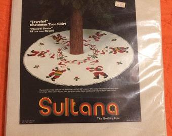 Sultana Felt Christmas Tree Skirt Embroidery Kit
