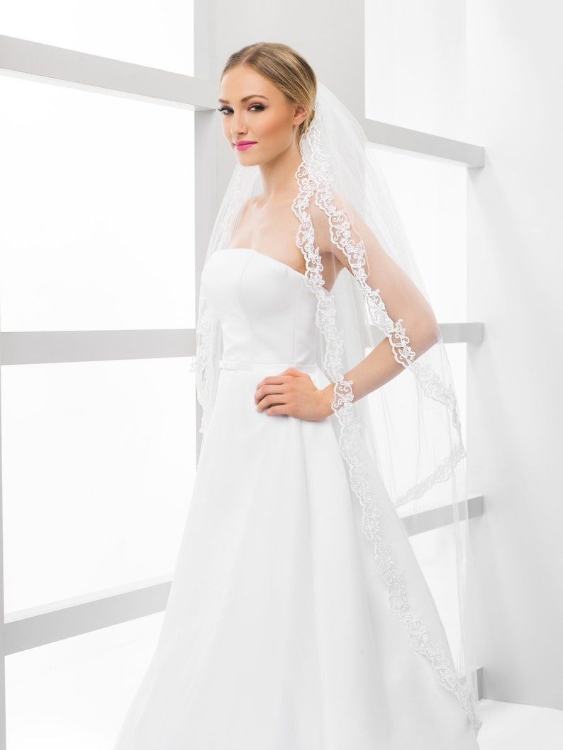 2 Tier Delicate Lace Veil in white and ivory image 0