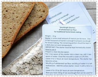 Sourdough. Sourdough starter. Rye bread. Sourdough bread. Закваска ржаной муки, высушена природным способом. Закваска для домашнего хлеба.