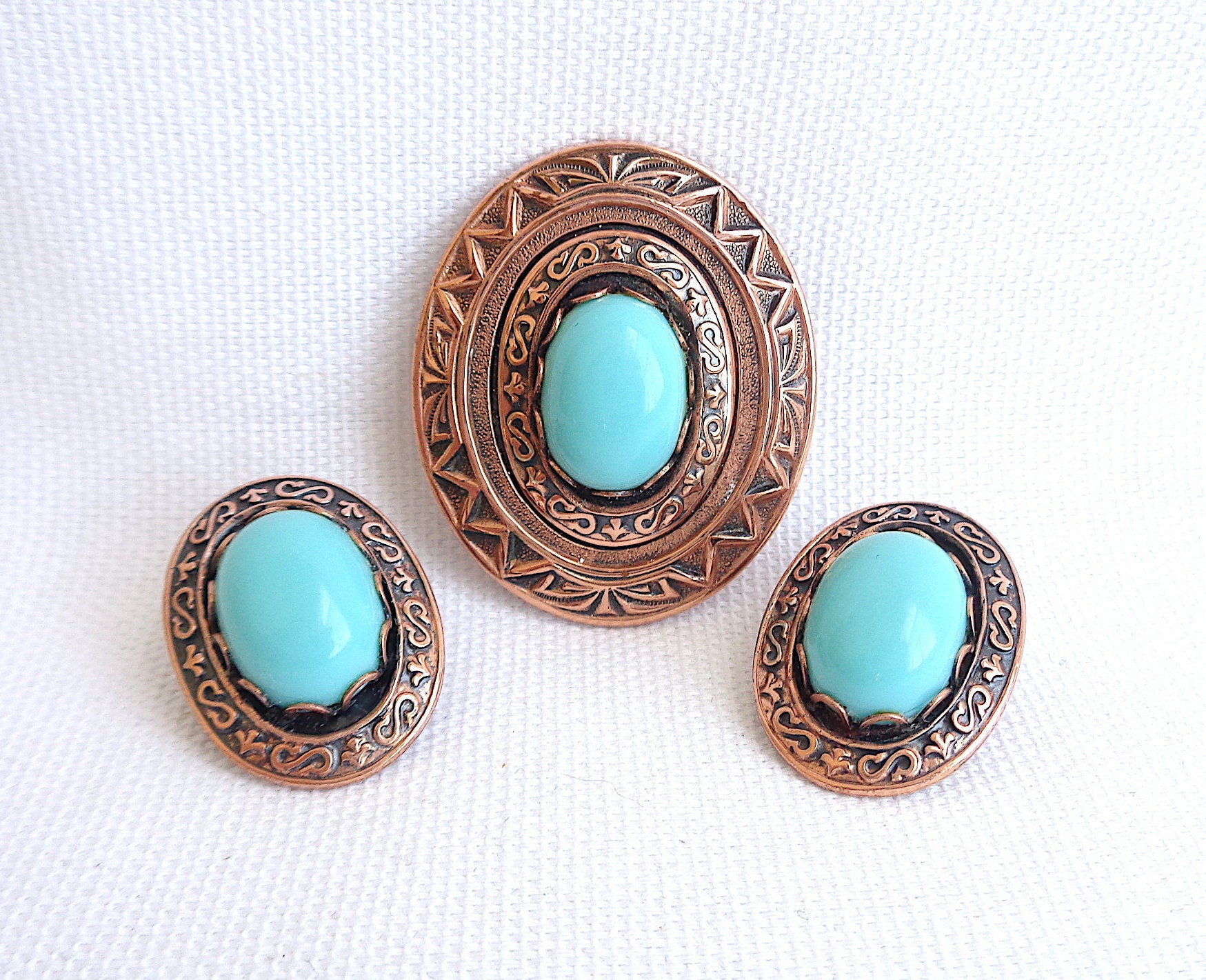 Blue Cabachon Two Tone Metal Vintage Costume Jewelry Clipback Earrings