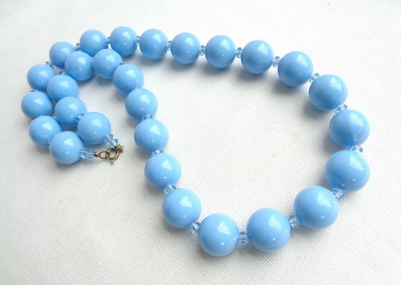 Estate Jewelry Vintage Chunky Blue Bead and Blue Clear Bi Cone Bead Necklace /& Matching Clip Back Blue Button Earrings