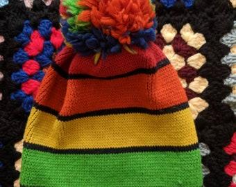 13d230baebf67 Retro 70s Ski Country Colorado 100% Wool Rainbow Winter Ski Hat with Pom Pom