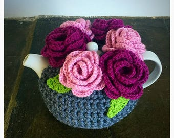 Flower Tea Cosy - 4-6 Cup Pot - Tea lover - Kitchen Gift - Housewarming - Mothers Day Gift - Pale pink/plum roses