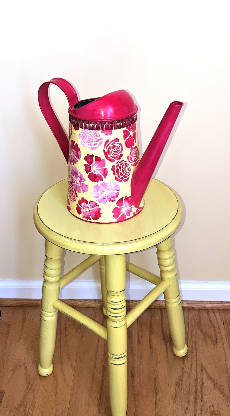 Flower Vase RDY 88 oz Metal Watering Can RED/&YELLOW