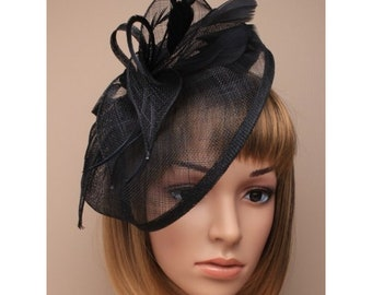8e7119df1d4c2 Black colour Vintage Style Sinamay and Feather Fascinator Hatinator  Aliceband Hairband Wedding Races Prom Mother of the Bride Ladies Day