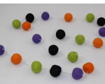 Sale! Halloween Felt Ball Garland/Banner! Parties, weddings, holiday decorations, baby showers, nursery decor! Purple, orange, black, green