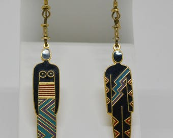 Charming gold tone and enamel earrings
