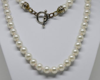 Lovely Faux pearls Beaded Necklace