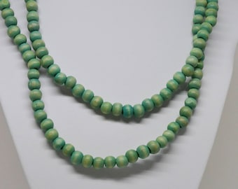 Lovely wooded beaded necklace