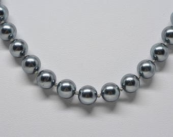 Lovely faux Haitian pearls necklace