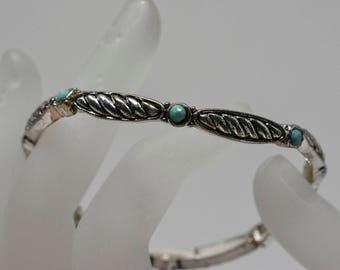 Lovely silver tone stretchable bracelet