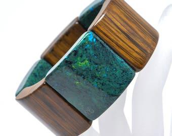 Gorgeous wood and plastic stretchable bracelet