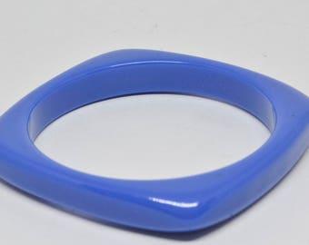 Charming Blue Color Plastic Bangle Bracelet