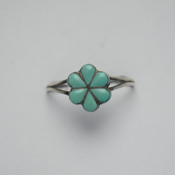 Natural turquoise ring and silver flower shape, flower ring, flowers rings, ring with a flower, silver flower ring, vintage flower ring