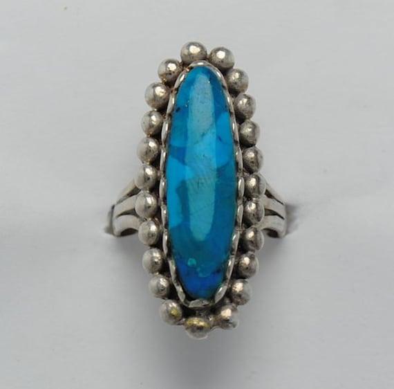 Bague ovale en turquoise et argent