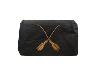 Broomstick Linen Makeup Stash Bag