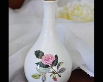 Vintage Wedgwood Posy Vase - HATHAWAY ROSE - since 1959. Art Deco Shaped Vase - AU -Pink Rose Very Popular Pattern(H0007)
