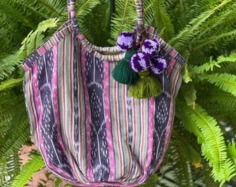 Medium Wine-Oh Ultraviolet Adventure Companion Beach Bag