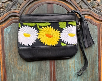 Festival Clutch Field of Daisies with Black Leather and Wristlet Strap