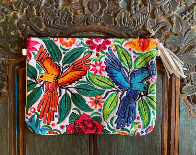 Featured listing image: Parrots of Paradise X-Large 3-in-1 Festival Bag with White Leather and Wristlet Strap and Crossbody Strap