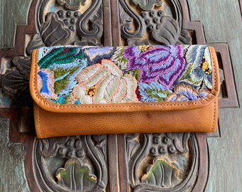 Sunset Beach Huipil Marbled Tan Leather Wallet