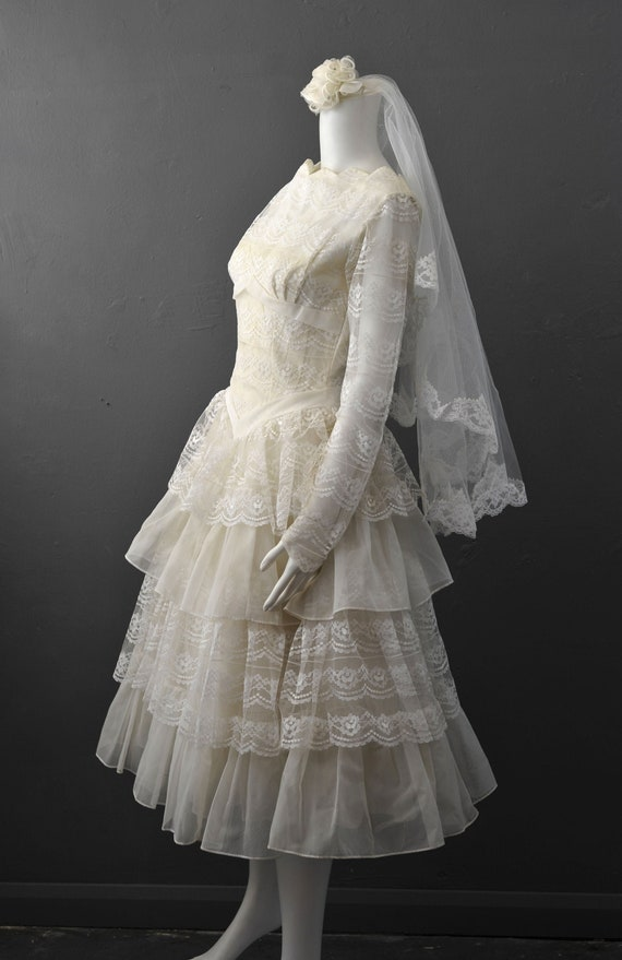50s Tiered Lace Wedding Dress with Veil, Tea Lengt