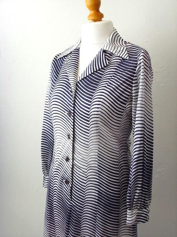 Vintage 70s Shirt Dress, Ombre Wave, Size Medium