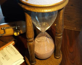 Hourglass perfect gift for music and collection lover. Handmade sandtimer by beech wood, glass and quarz sand. Vintage style glass present.