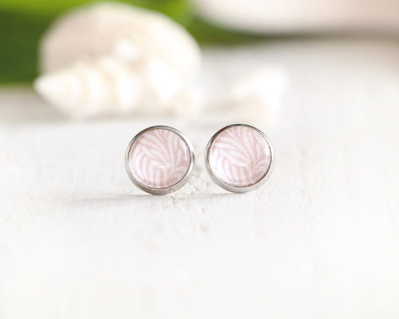 Coral stud earrings brown graphic pattern 10 mm stainless image 0