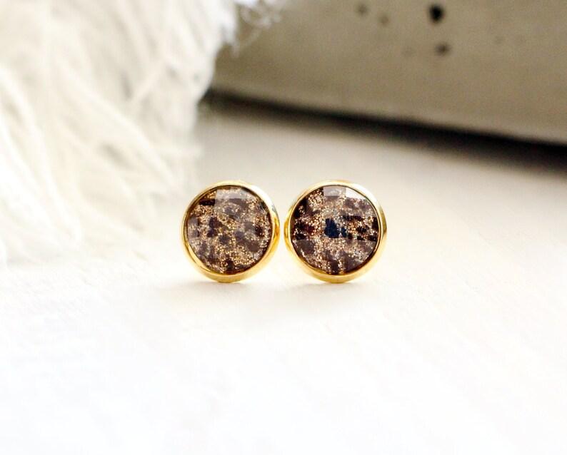 Pearls of the Savannah stud earrings glitten leopard pattern image 0