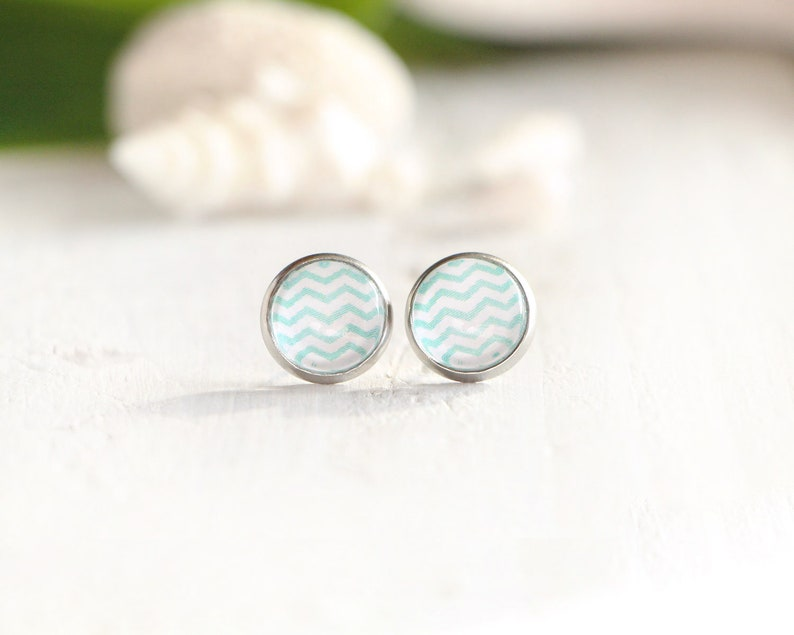 Waves stud earrings turquoise graphic pattern 10 mm image 0