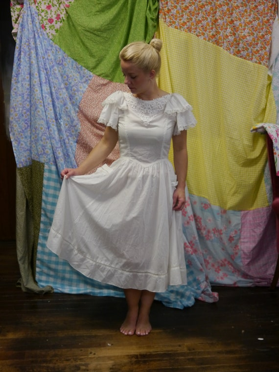 Vintage 1970s Gunne Sax White Cotton Dress